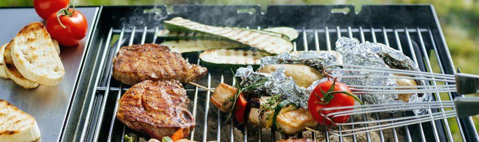 Bevor man Fleisch und Gemüse auf den Grill legt, sollten einige Fehler aus dem Weg geräumt werden.