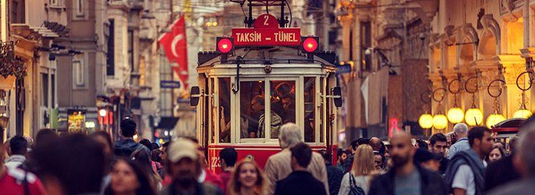 Historische Straßenbahn in Istanbul